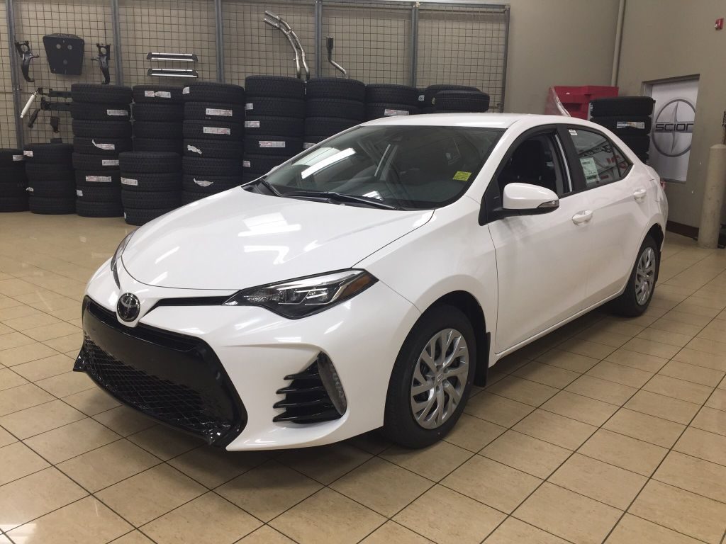 New 2018 Toyota Corolla Se 4 Door Car In Sherwood Park