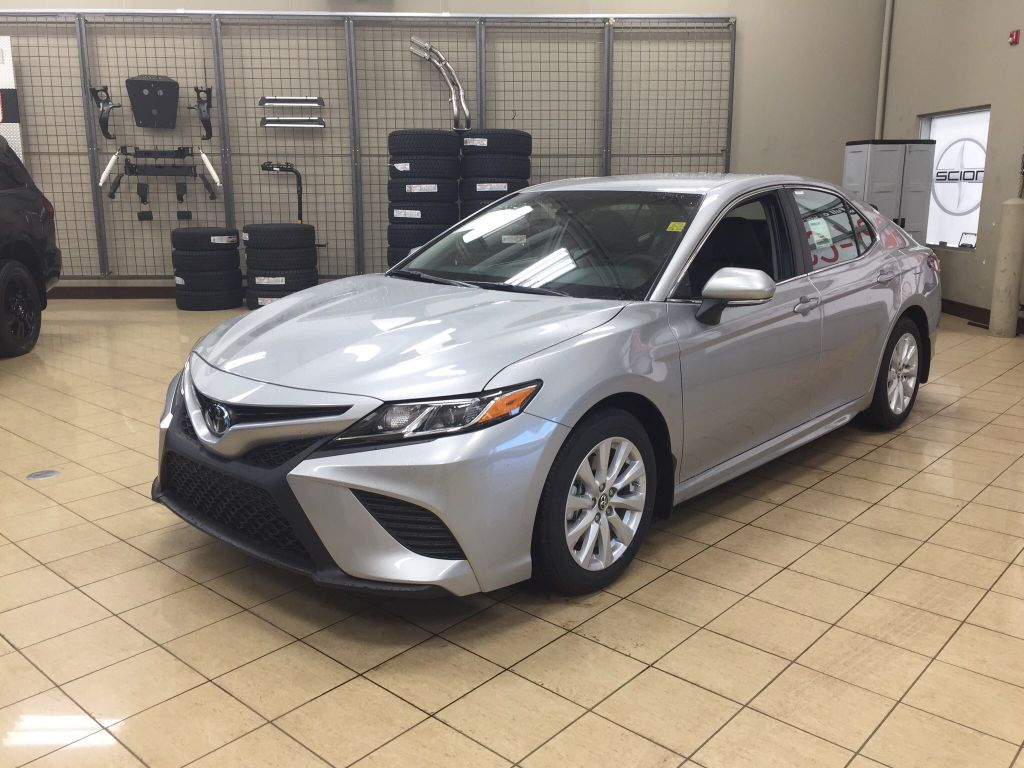 new 2018 toyota camry se 4 door car in sherwood park ca84801 sherwood park toyota. Black Bedroom Furniture Sets. Home Design Ideas