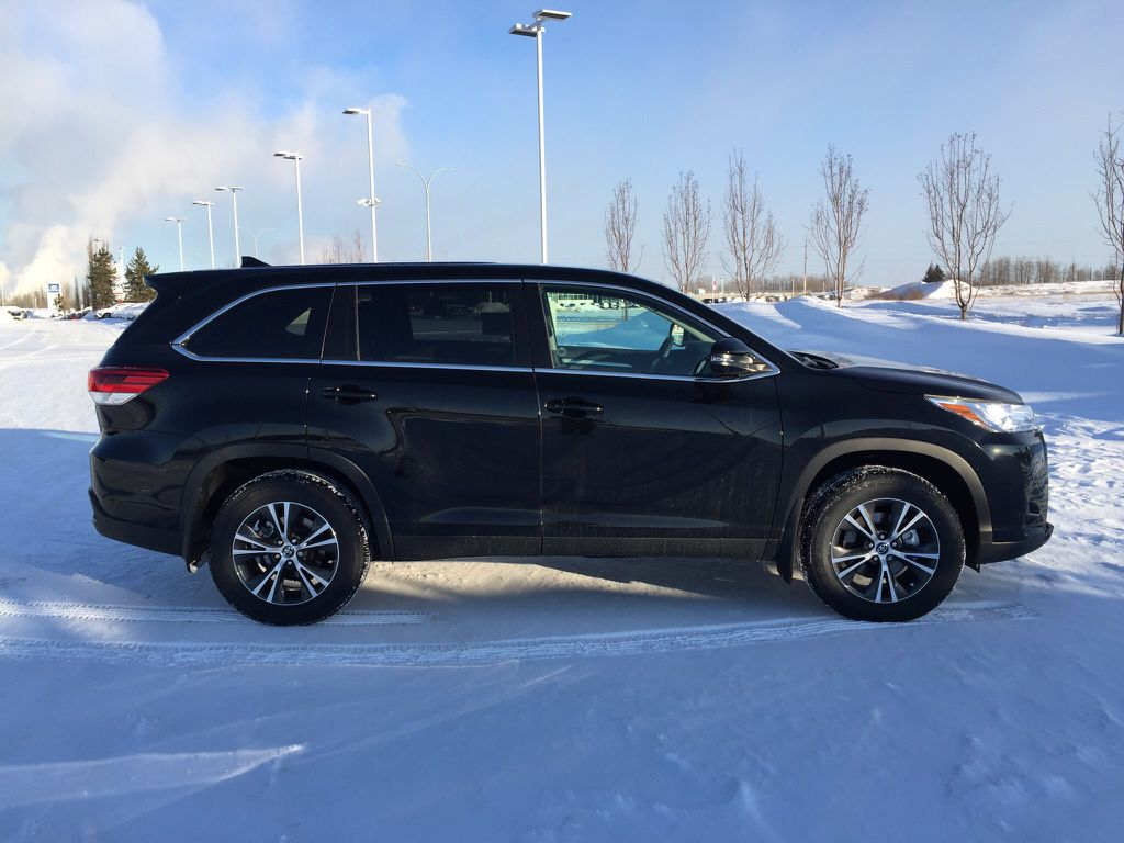 New 2019 Toyota Highlander LE Convenience