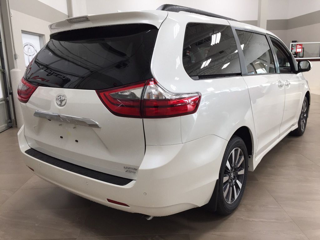 New 2020 Toyota Sienna Limited AWD