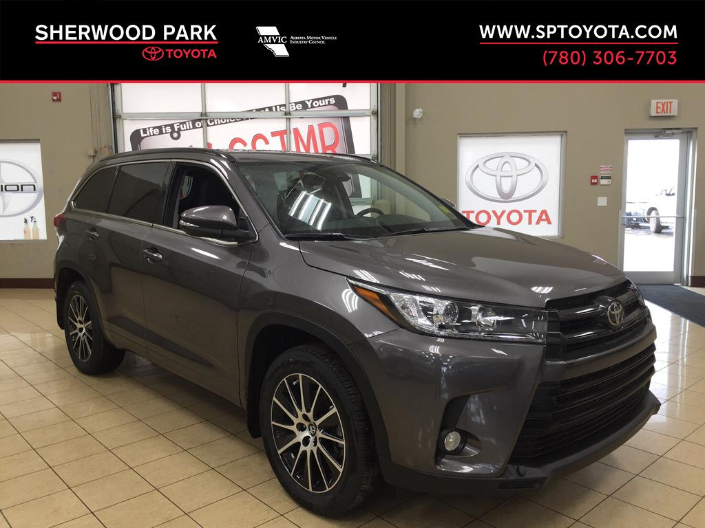 new 2017 toyota highlander se 4 door sport utility in sherwood park hi72807 sherwood park toyota. Black Bedroom Furniture Sets. Home Design Ideas