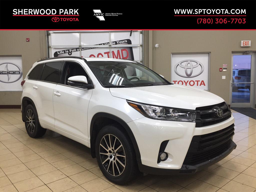 new 2017 toyota highlander xle 4 door sport utility in sherwood park hi74169 sherwood park toyota. Black Bedroom Furniture Sets. Home Design Ideas