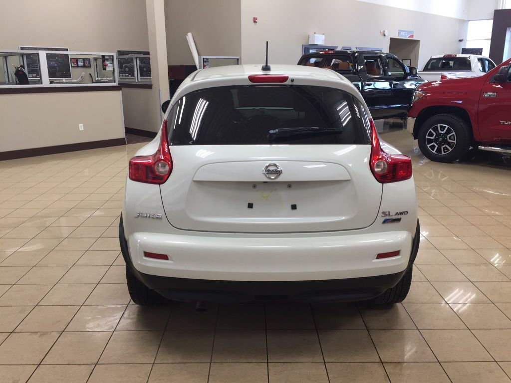 used 2011 nissan juke sl 4 door station wagon in sherwood park hi84371a sherwood park toyota. Black Bedroom Furniture Sets. Home Design Ideas
