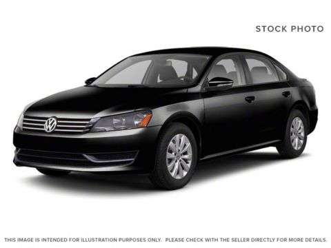 Pre-Owned 2012 Volkswagen Passat 2.5L AUTO HIGHLIN