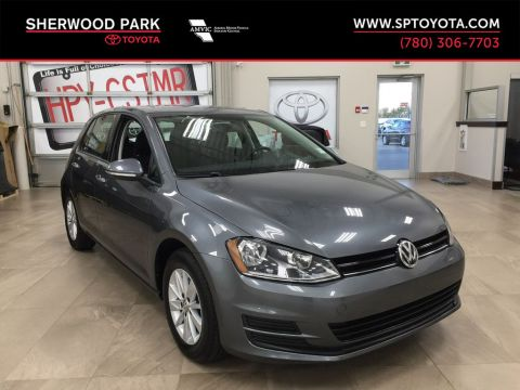 Pre-Owned 2017 Volkswagen Golf Trendline- Heated Front Seats, Back-Up Camera